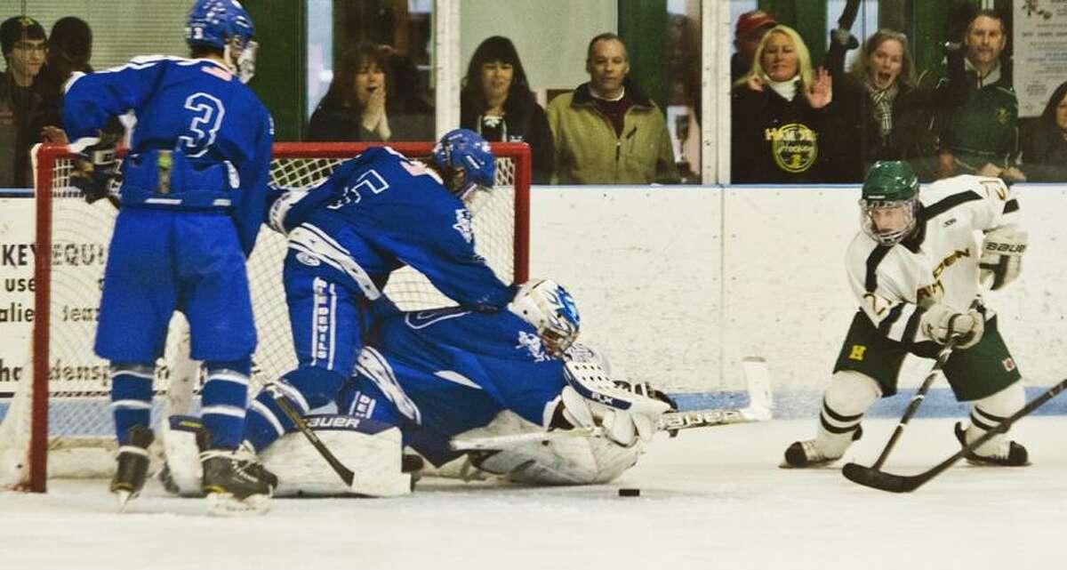 SPORTS-Hamden-West Haven Hockey Melanie Stengel/Register