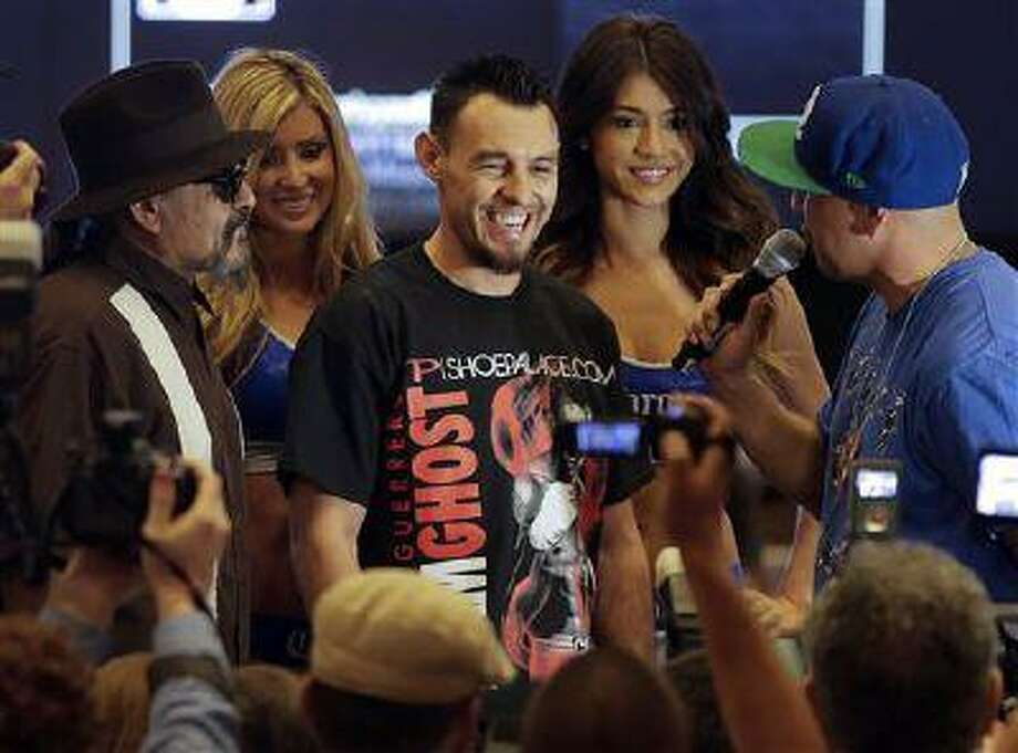 Robert Guerrero answers questions for boxing fans and members of the media at the MGM Grand Hotel and Casino, April 30, 2013, in Las Vegas. Photo: AP / ap
