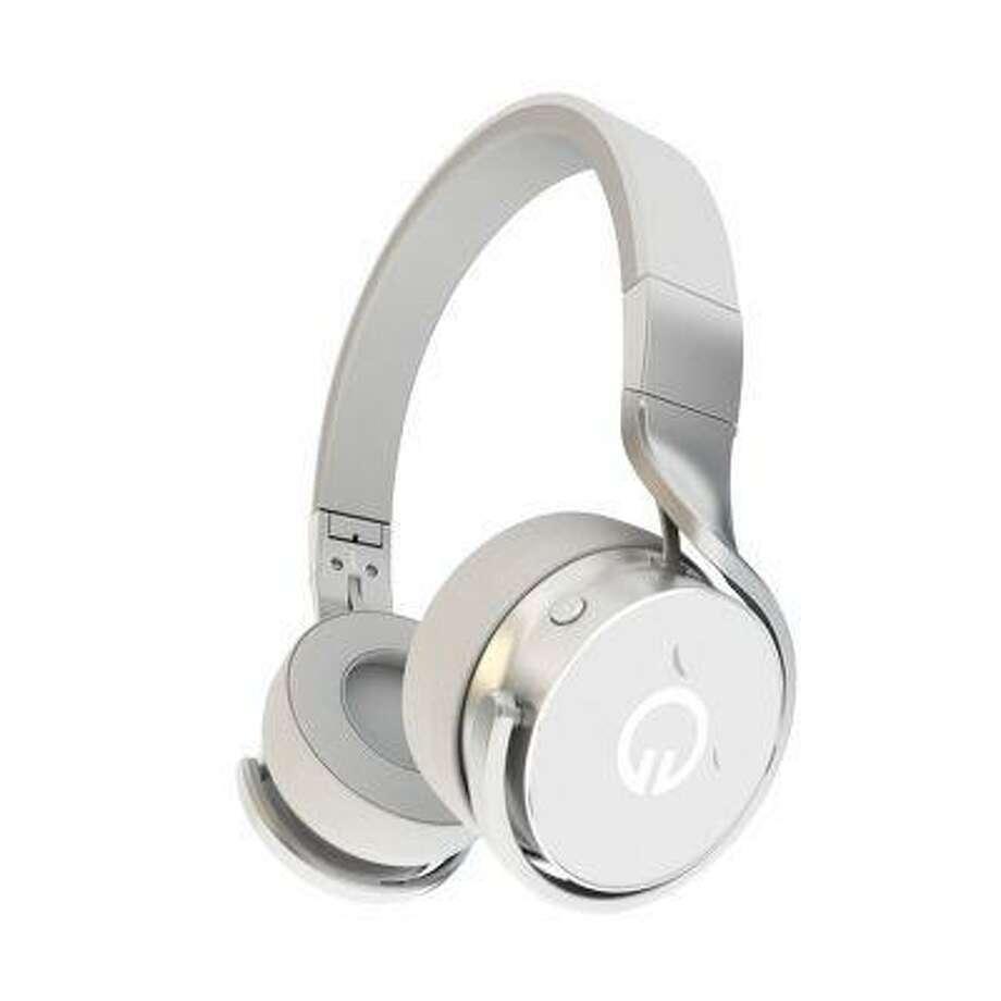 Muzik is launching social headphones. (PRNewsFoto/Muzik)