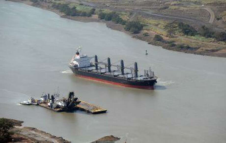 A ship sails across the Panama Canal, in Panama, on February 23, 2013. Photo: AFP/Getty Images / 2013 AFP