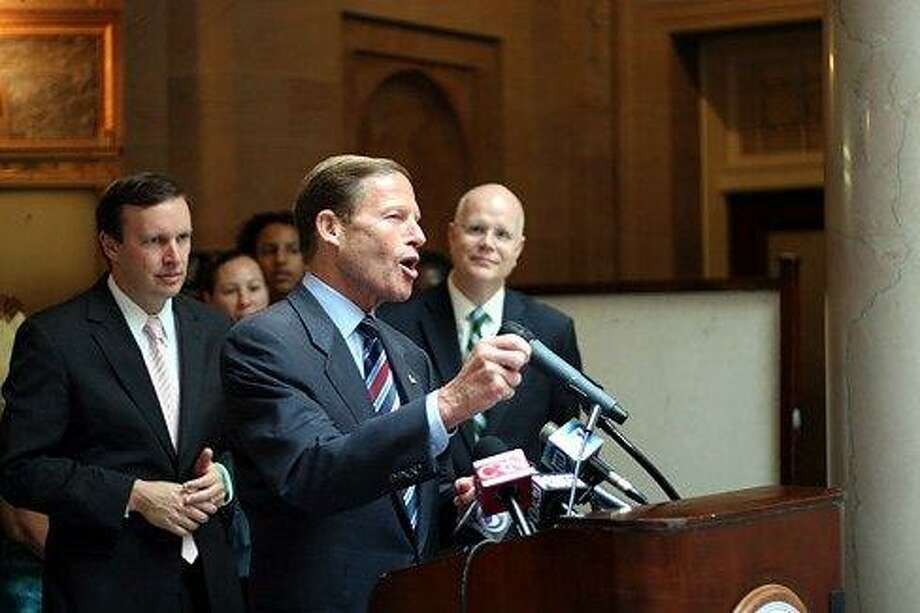 U.S. Sen Richard Blumenthal speaks. Courtesy CTNewsJunkie