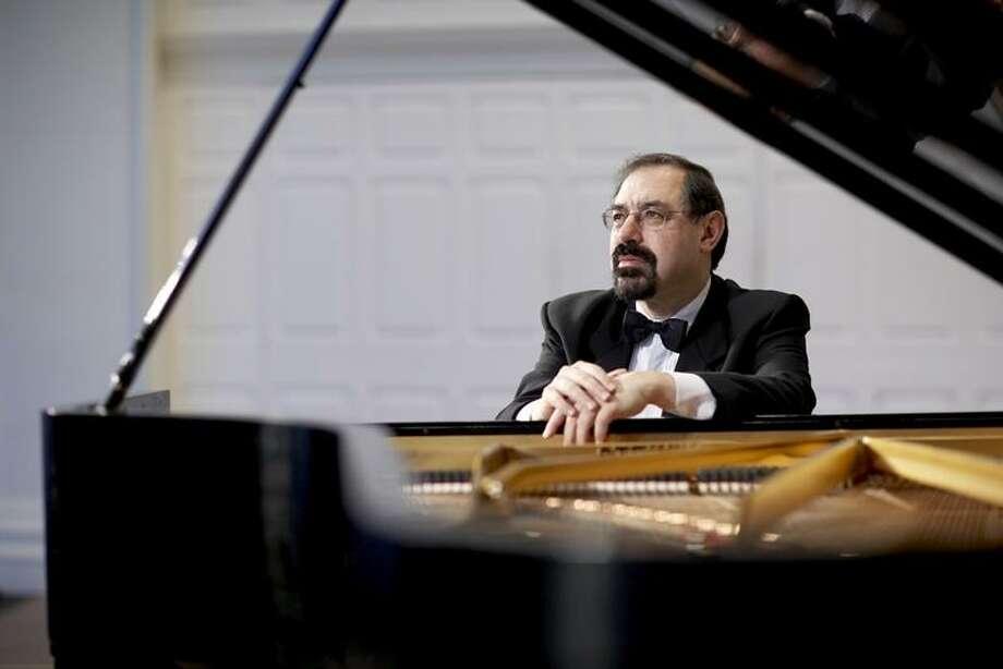 Yale School of Music: Pianist Boris Berman Photo: Bob Handelman / ©2008 Bob Handelman