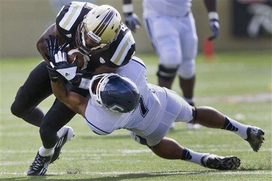 Uconn Football Western Michigan Beats Huskies For Second Straight