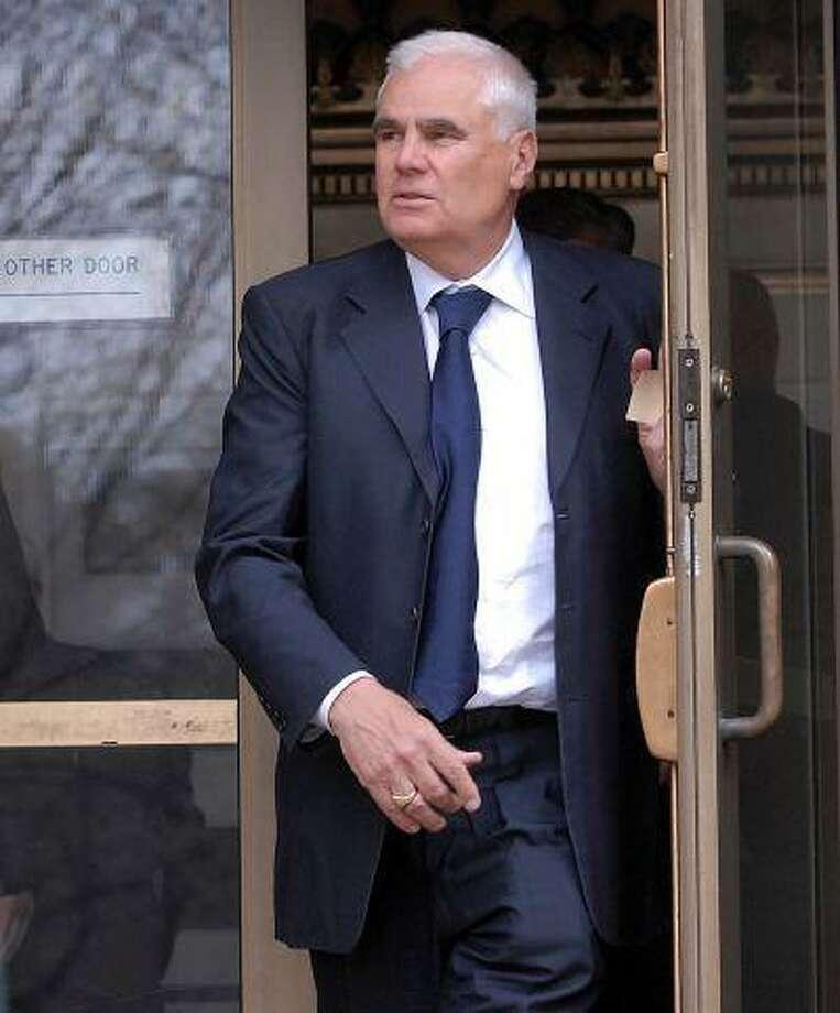 Developer Robert D  Scinto begins prison term in Shelton