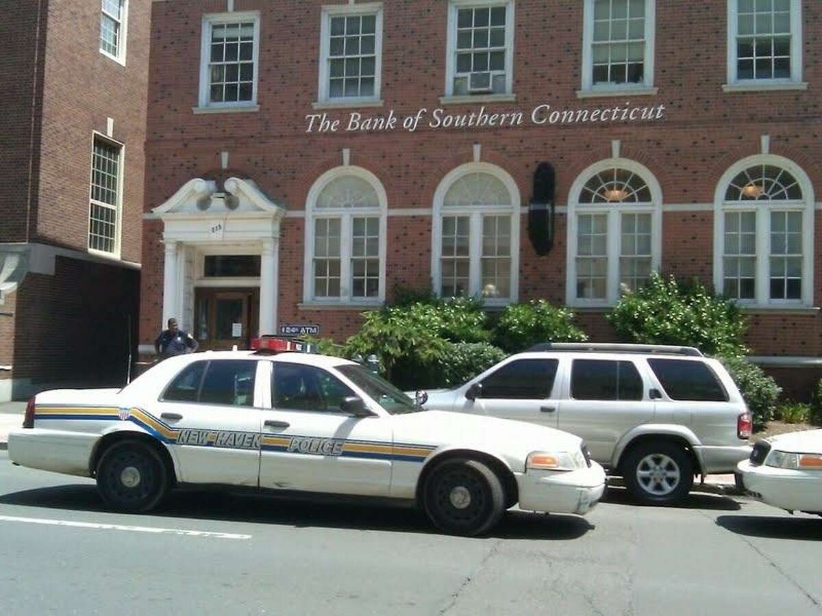 A man allegedly robbed this New Haven bank Wednesday. Photo by William Kaempffer