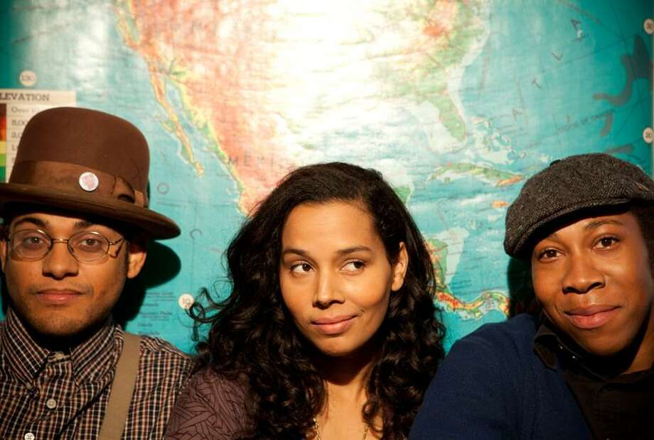 Crackerfarm photo: The Carolina Chocolate Drops -- Dom Flemons, Rhiannon Giddens and Hubby Jenkins -- got a Carolina string thing going on.