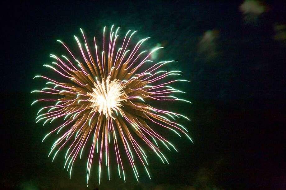 Fireworks Photo: Www.jupiterimages.com / (C) 2005 Thinkstock