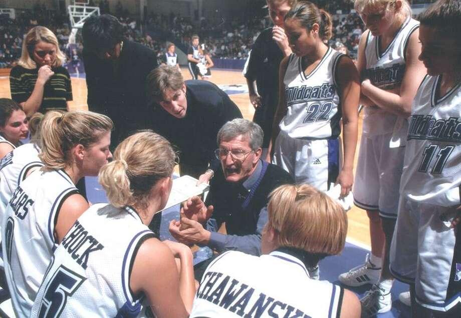 Don Perrelli coaching at Northwestern. (Photo courtesy of Northwestern Athletics)