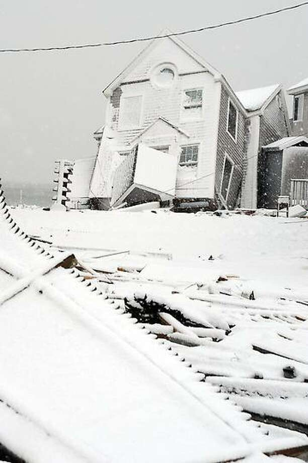 A view along Cosey Beach Avenue in East Haven  as the snow began with the start of a coastal storm predicted to hit area November 7, 2012. vm Williams