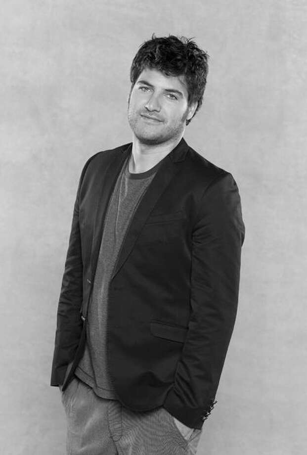 "ABC's ""Happy Endings"" stars Adam Pally as Max. Photo: ABC / © 2010 American Broadcasting Companies, Inc. All rights reserved."