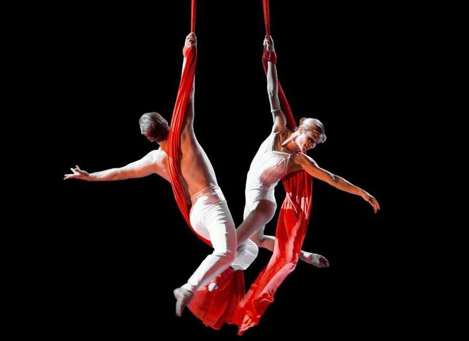 Cirque de la Symphonie photo: Yes, this is a classical concert.