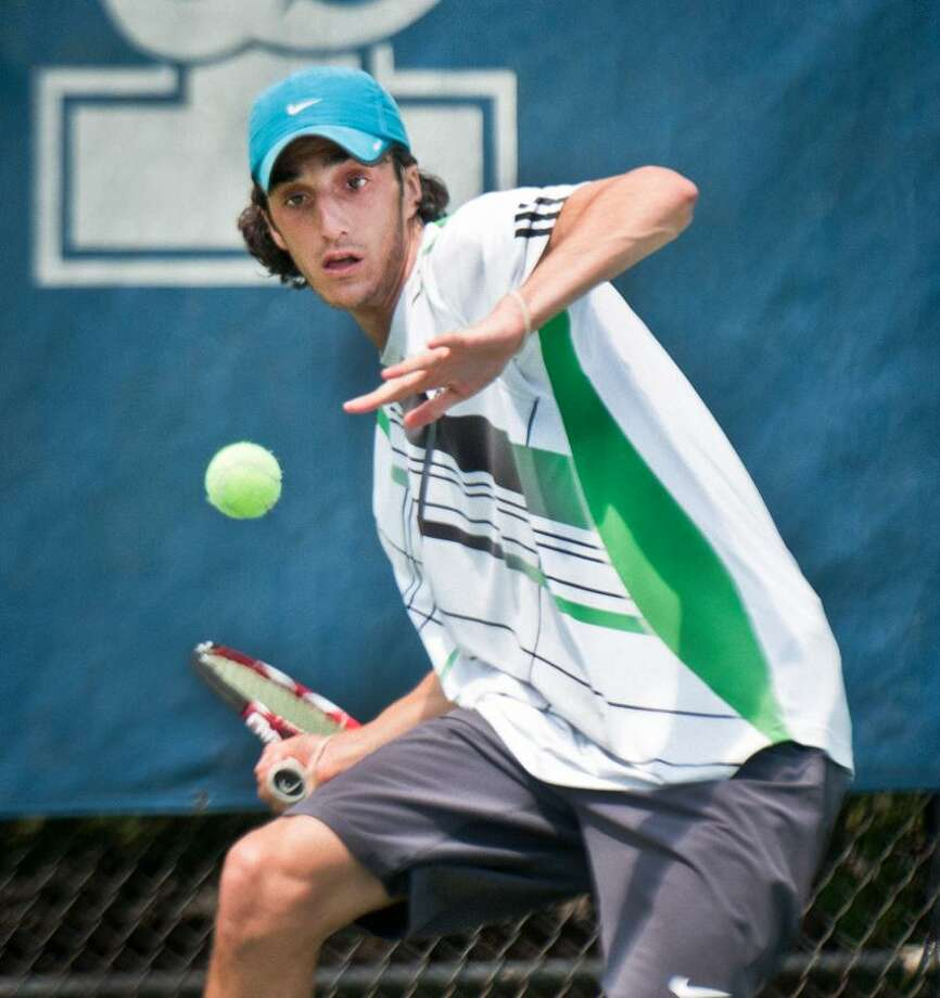 SPORTS_Ofir Solomon on his way to winning the Yale Summer Championship.   Melanie Stengel/Register