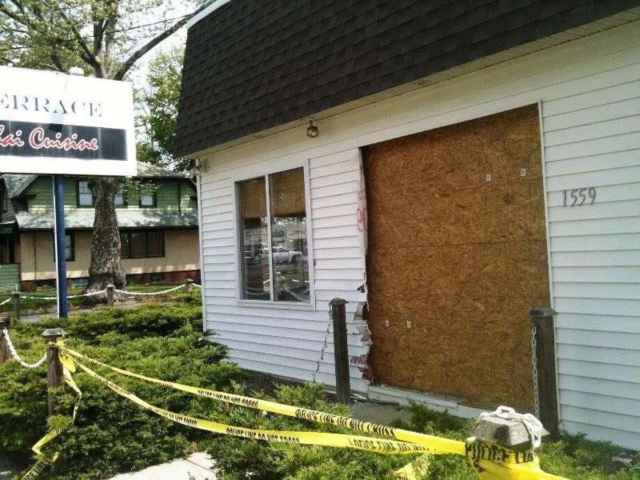 A car crashed into this restaurant in Hamden. Ann DeMatteo/Register