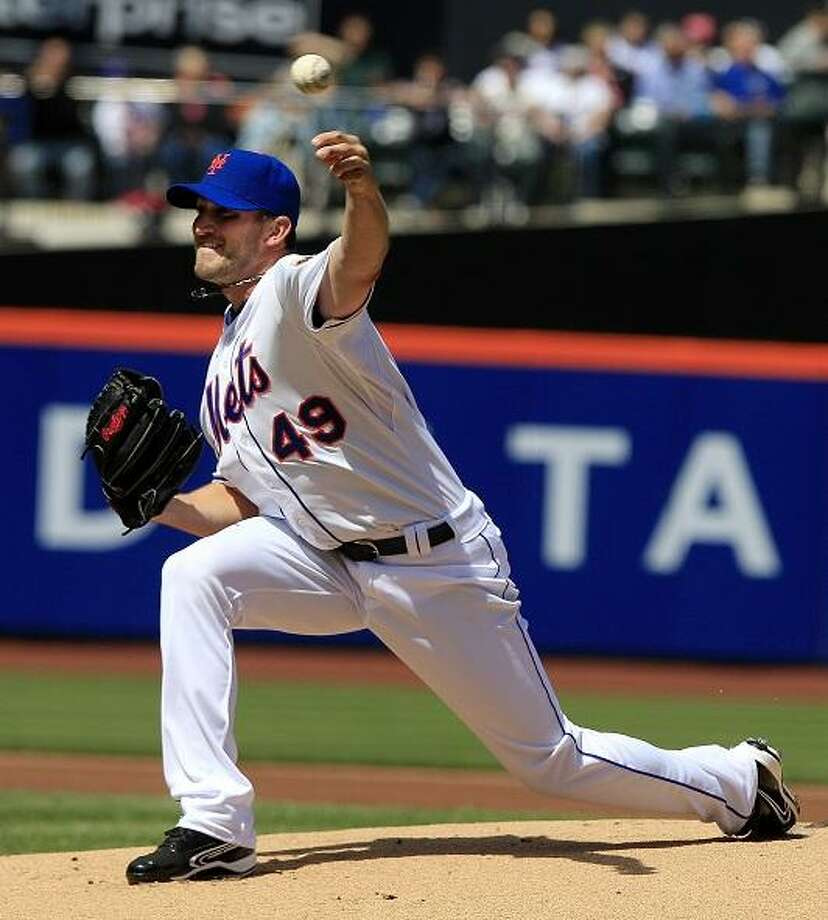 New York Mets' Jonathon Niese delivers a pitch during the first inning of a baseball game against the Atlanta Braves on Sunday, April 8, 2012, in New York. (AP Photo/Frank Franklin II) Photo: ASSOCIATED PRESS / AP2012