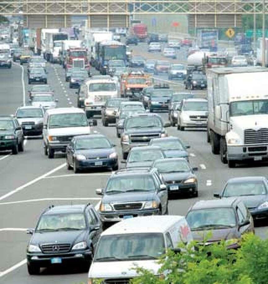 Traffic backs up on Interstate 91 southbound in New Haven last week. (Arnold Gold/Register)