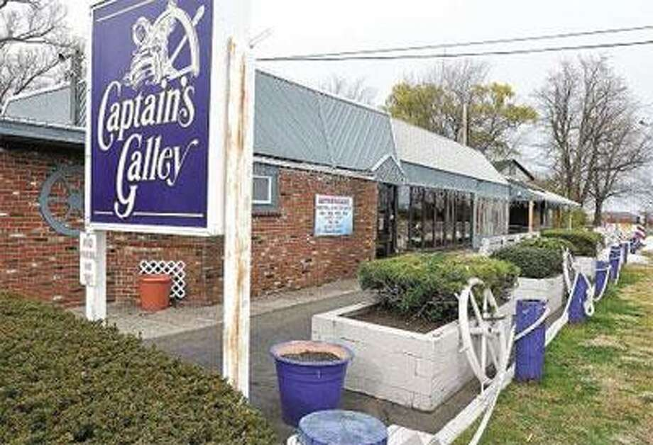 Captain's Galley has closed its doors because of the economy. (Peter Casolino/Register)