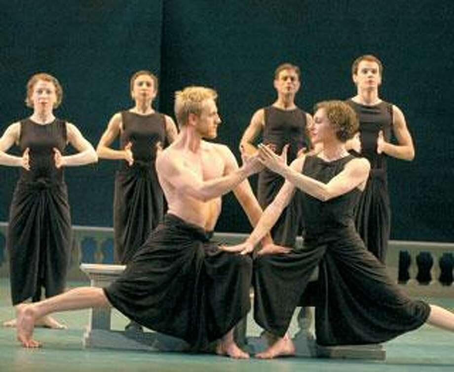 """The Mark Morris Dance Group will perform """"Dido and Aeneas"""" with live music by Yale Collegium Musicum players. (Stephanie Berger)"""