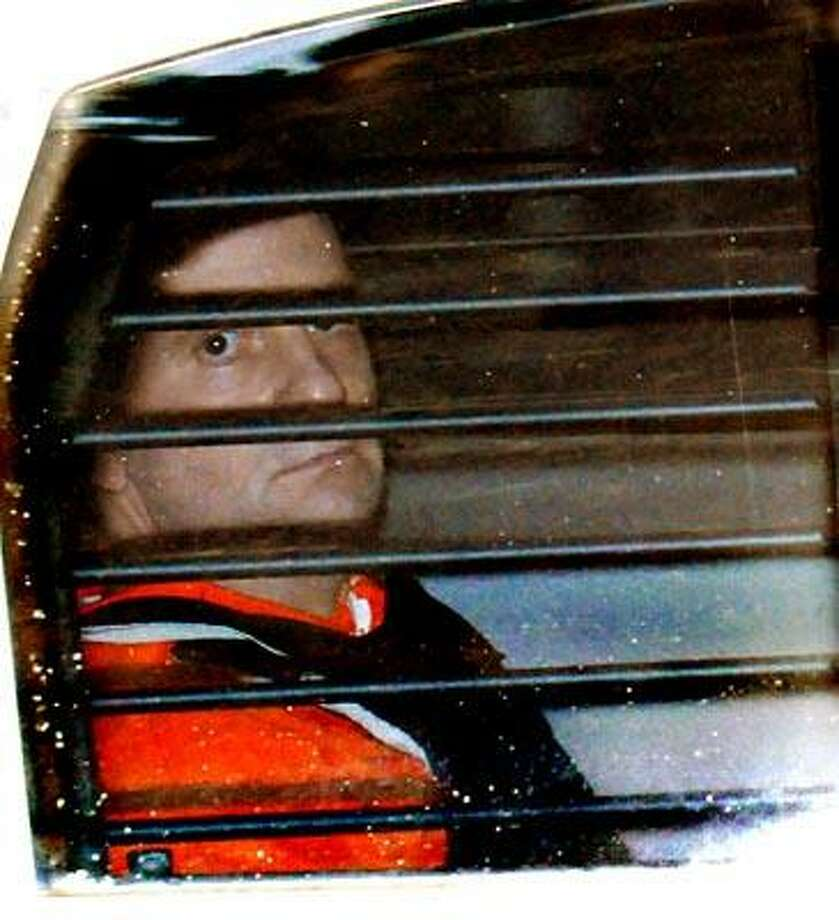 Steven Hayes leaving Superior Court in New Haven during his trial for murder.     Melanie Stengel/Register