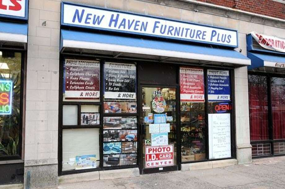 New Haven Furniture Plus store on 269 Whalley Ave., New Haven.  Photo by Peter Hvizdak / New Haven Register December 10,1010       ph    2221           #2382     Connecticut