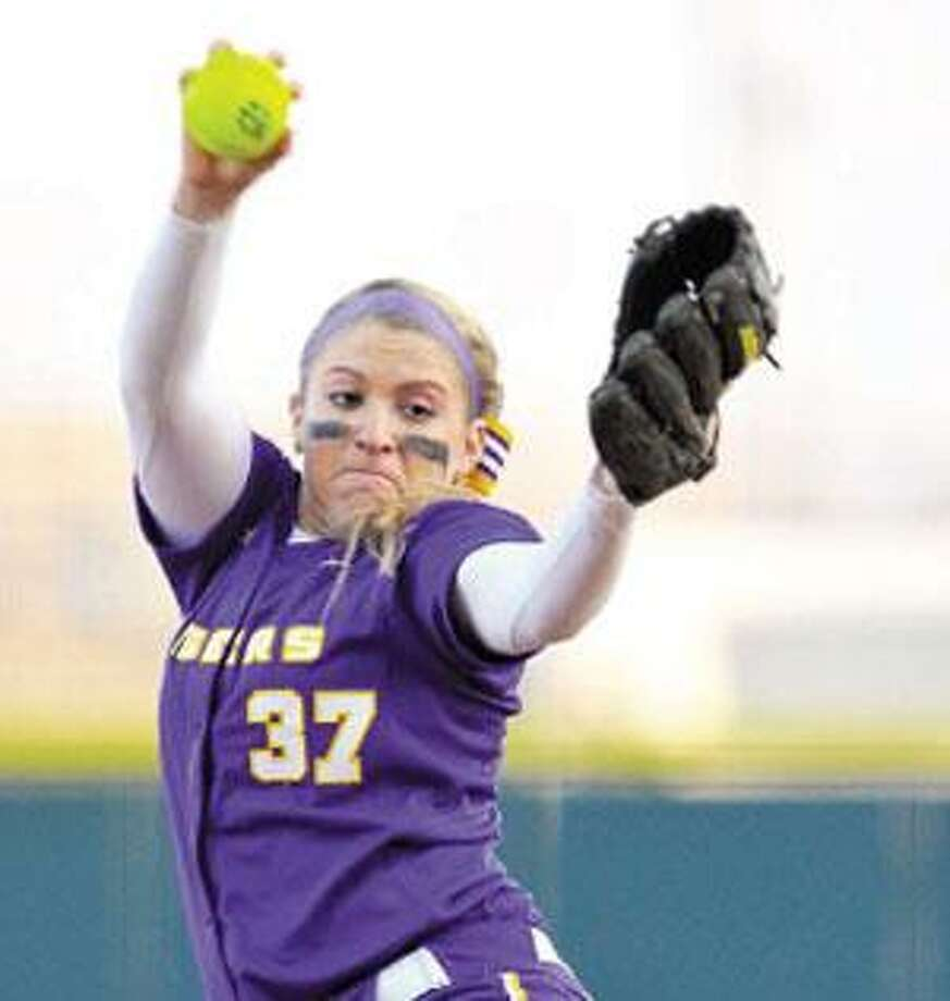 Rachele Fico, a Masuk graduate, is sporting an 11-2 record with three saves and an ERA of 0.73 in her freshman season at LSU. Her ERA is second in the Southeastern Conference, behind only Tiger teammate Cody Trahan. Fico was recently named the SEC freshman of the week. (Photo courtesy of Louisiana State University)