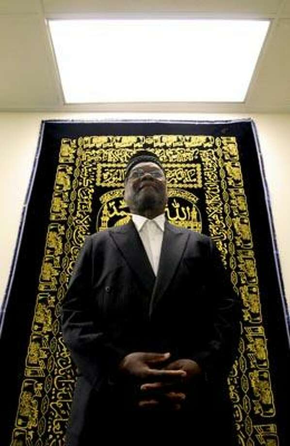 Abdul-Majid Karim Hasan, imam of the Islamic center in Hamden  that bears his name, is calling for religious tolerance after a spate  of anti-Muslim incidents. (Peter Hvizdak/Register)