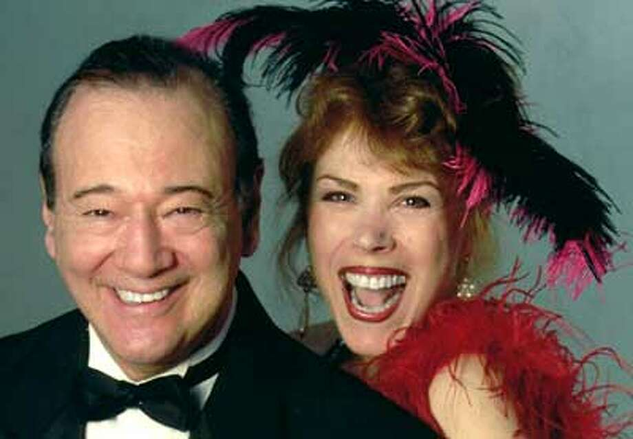 Stan Edwards and Linda Ipanema perform in Middletown Saturday night.