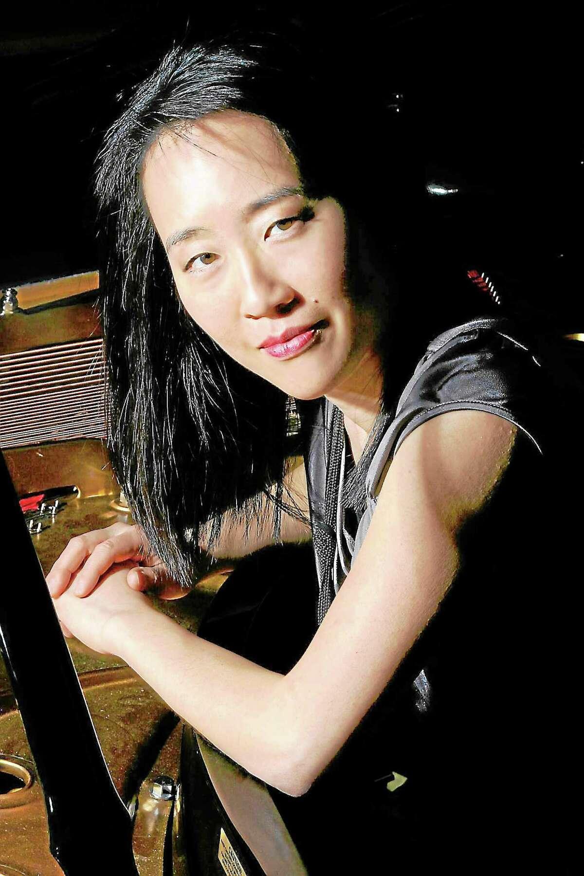 Pianist Helen Sung.