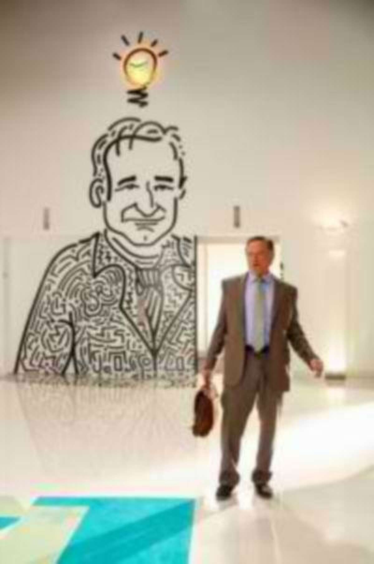 """Robin Williams returns to series television in """"The Crazy Ones."""""""