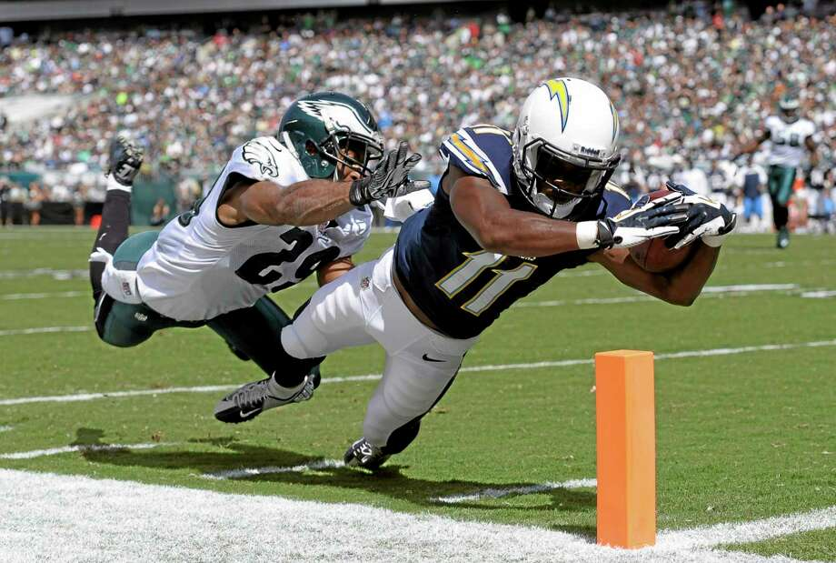 After scoring five touchdowns in his first two games, Chargers wide receiver Eddie Royal was a popular waiver wire pickup. Photo: Michael Perez — The Associated Press  / FR168006 AP