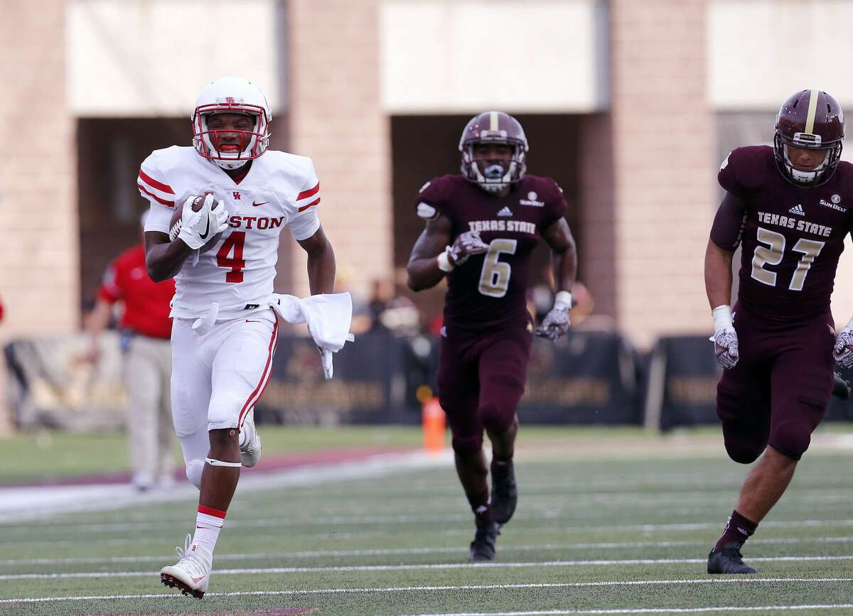 SAN MARCOS, TX - SEPTEMBER 24: D'Eriq King #4 of the Houston Cougars runs for a touchdown against the Texas State Bobcats at Bobcat Stadium on September 24, 2016 in San Marcos, Texas. (Photo by Chris Covatta/Getty Images)