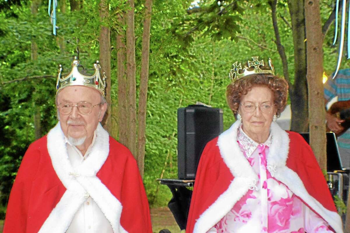 Submitted photo Henry Steger and Blanch Dumeer, new king and queen of the Heritage Commons Retirement Community Resident Body, were honored during an annual garden party on Aug. 21 as Heritage Commons celebrated 25 years of service to the senior community. The celebration was attended by more than 300 guests, including residents, family, friends, business colleagues and a special visit and opening greeting by Middletown Mayor Daniel Drew.