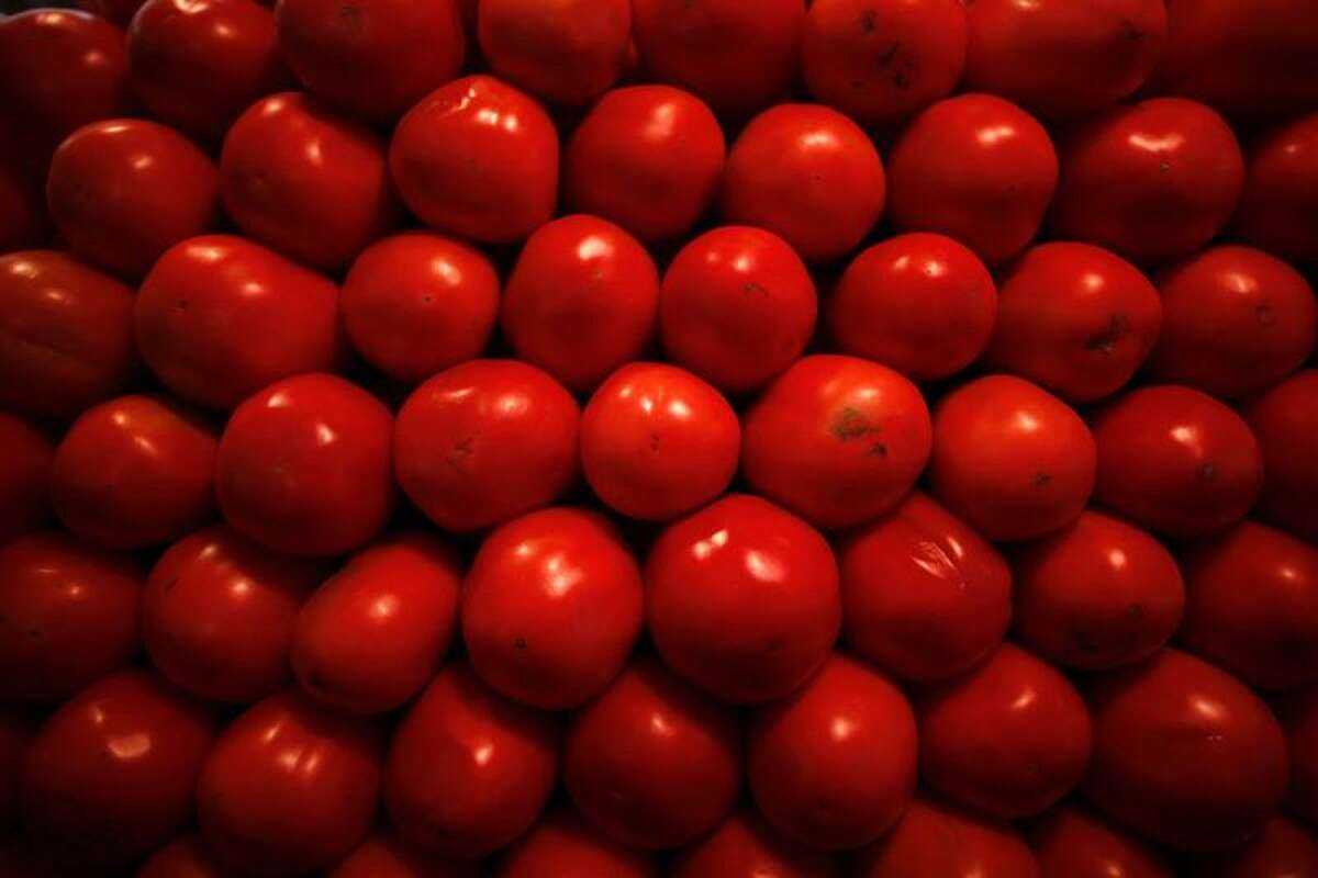 Tomatoes are displayed at a market. (Reuters/Tomas Bravo)