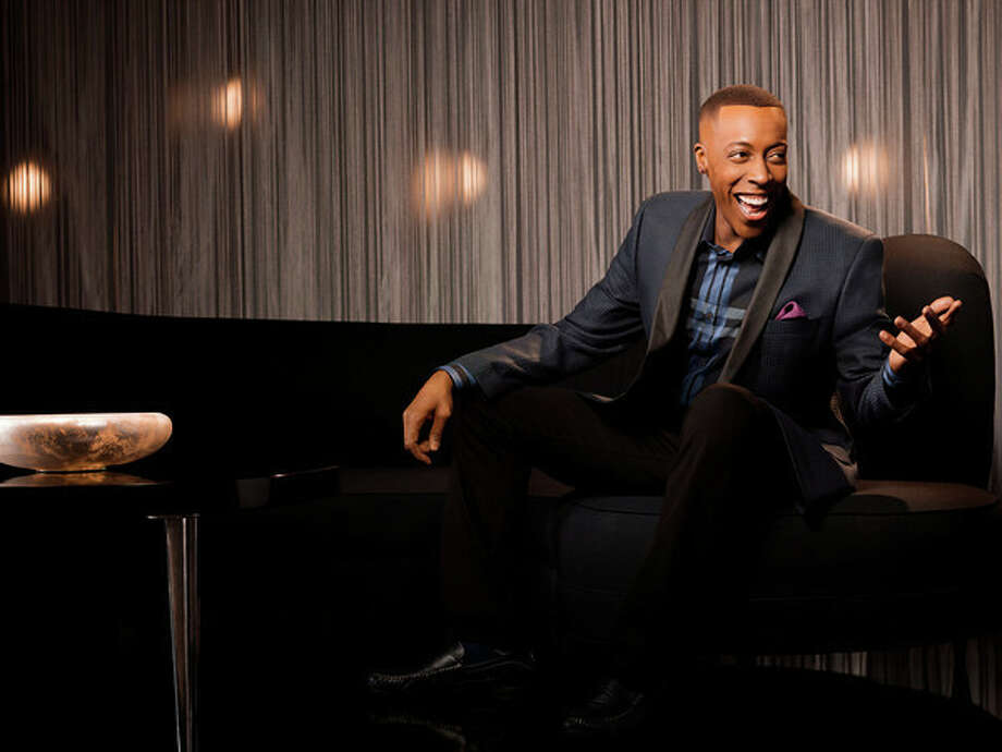 Arsenio Hall hosts ???Arsenio,??? premiering Monday in syndication. Photo: Cliff Lipson/CBS Television Dist / CBS TELEVISION DISTRIBUTION