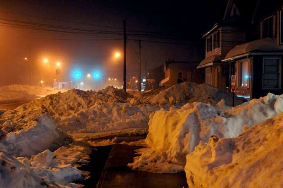 Catherine Avalone/The Middletown PressMain Street in Portland early Monday evening. / TheMiddletownPress