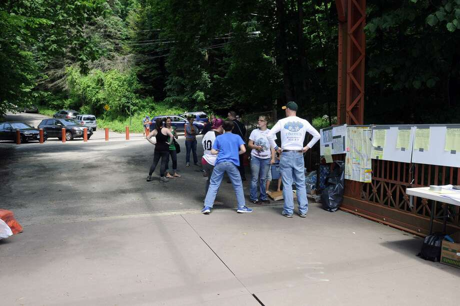 Volunteers gather to search for photographer Eric Langlois.