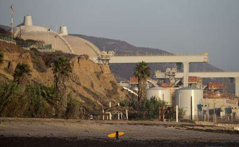 This Sept. 13, 2012 file photo shows the San Onofre nuclear power plant along the Pacific Ocean coastline in San Onofre, Calif. Photo: ASSOCIATED PRESS / AP2013