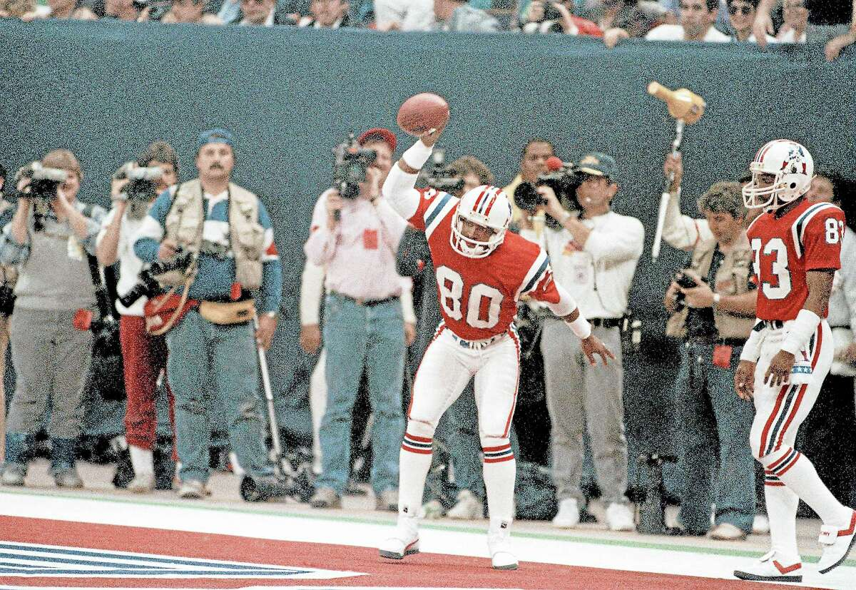 Irving Fryar celebrates after scoring the New England Patriots' only touchdown in Super Bowl XX on Jan. 26, 1986.