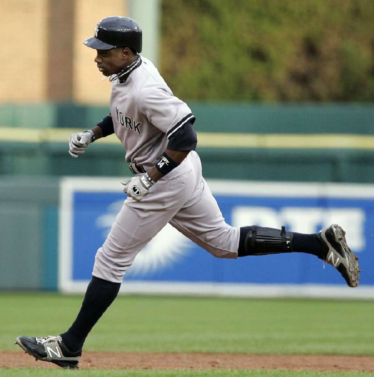ASSOCIATED PRESS New York Yankees' Curtis Granderson rounds the bases after hitting a three-run home run against the Detroit Tigers in the third inning of Wednesday night's game in Detroit.