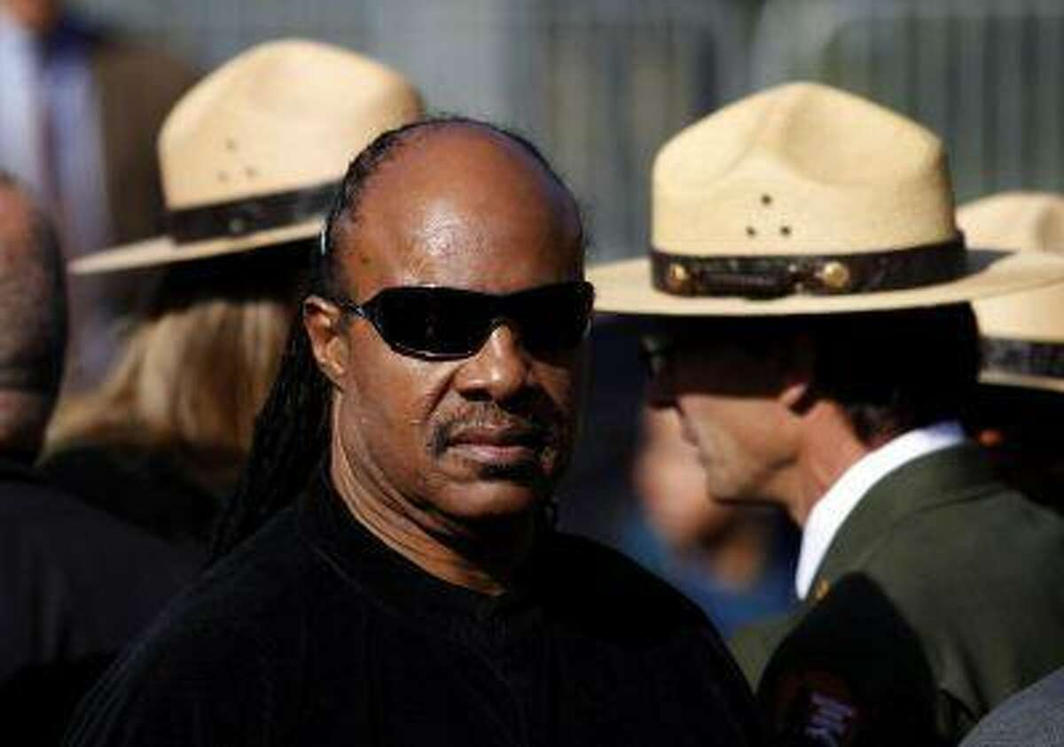 Entertainer Stevie Wonder arrives at the Martin Luther King, Jr. memorial dedication ceremony at the National Memorial in Washington October 16, 2011. REUTERS/Molly Riley