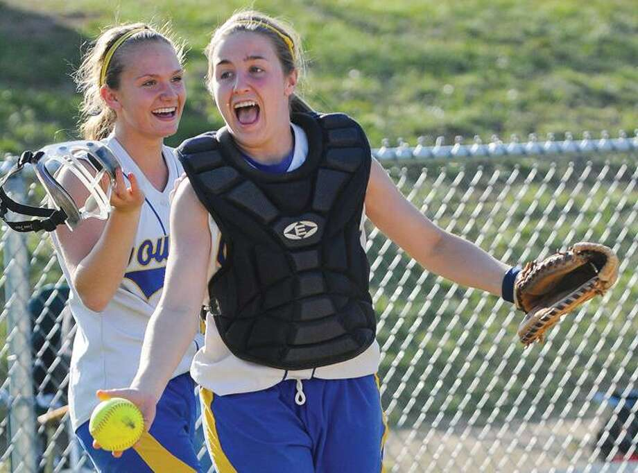 Hale-Ray pitcher Katelyn Nichisti fires a pitch Friday. / Ralph Chappell
