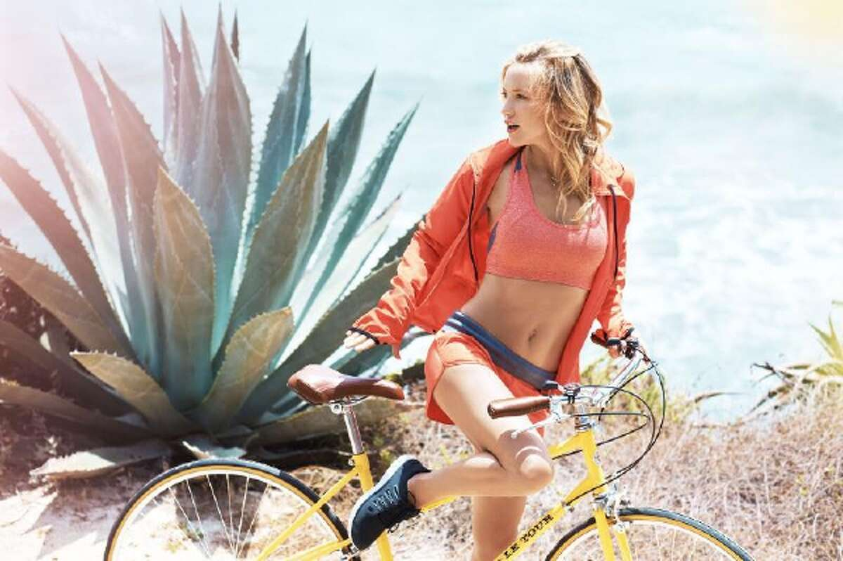 Kate Hudson launches new fitness fashion collection, Fabletics.