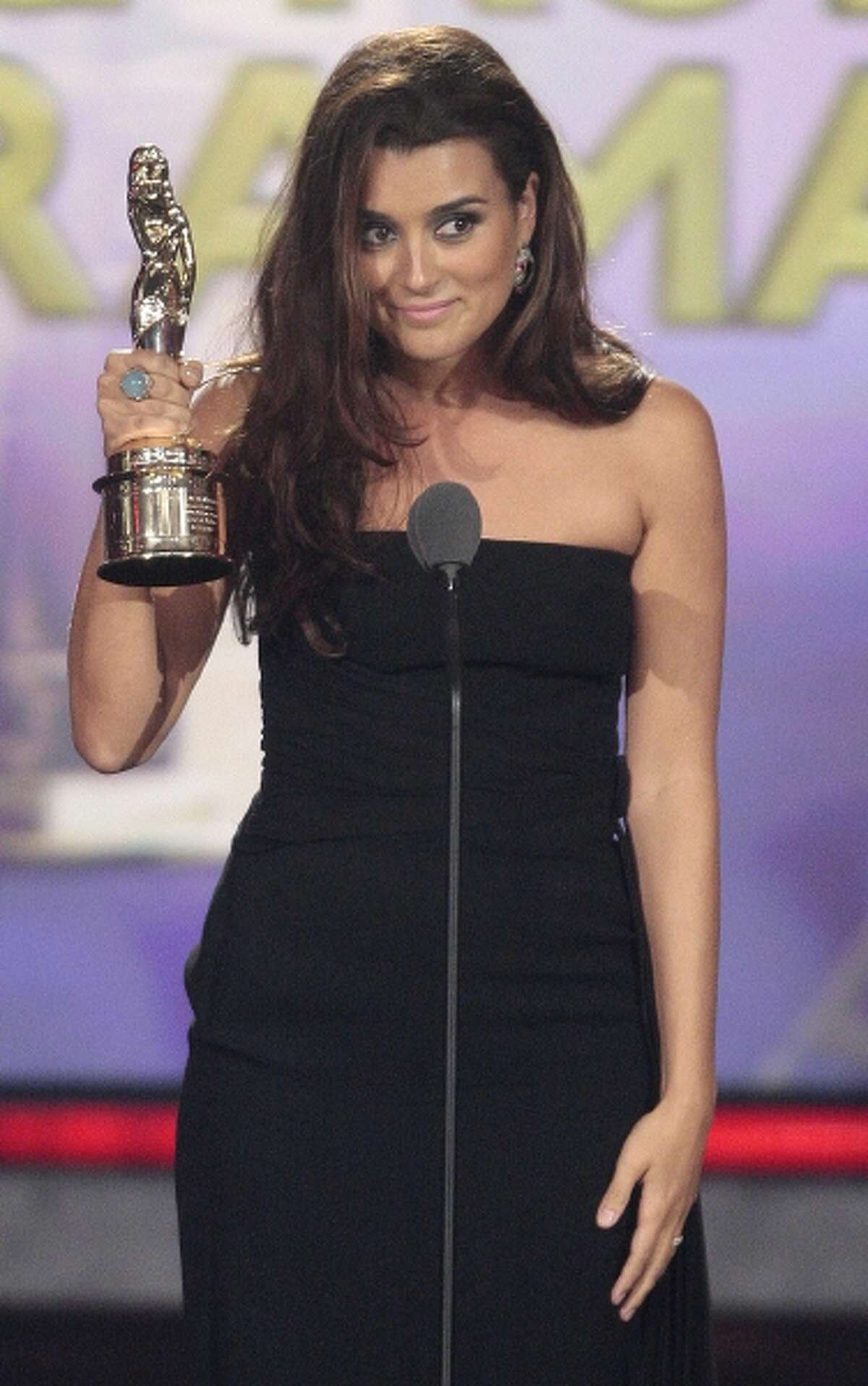 Actress Cote de Pablo accepts the award for Favorite TV Actress - Leading Role in a Drama for