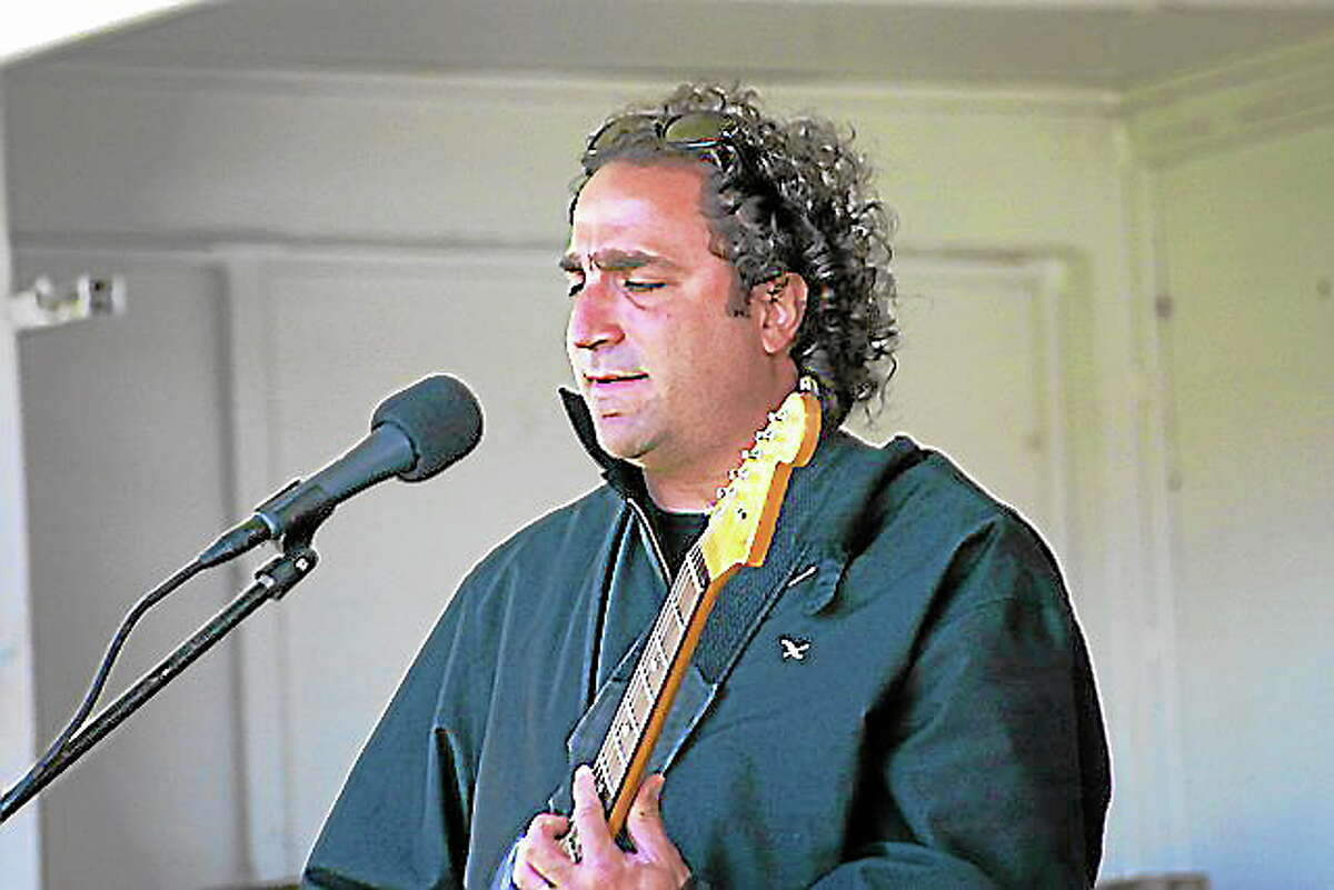 Jeff Pitchell will perform with J. Giels at the Berlin Fair Sunday.