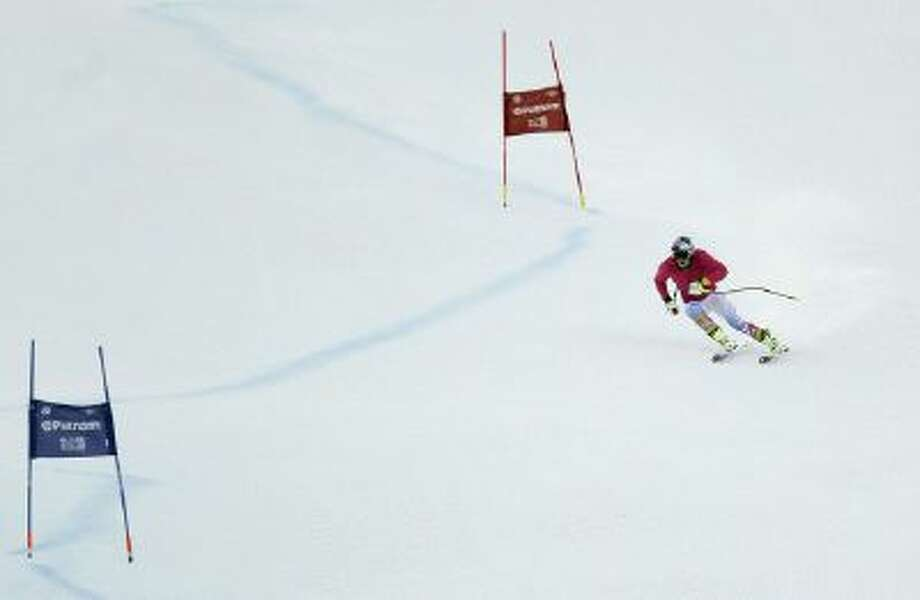 Lindsey Vonn makes a training run down a Super-G course, Friday, Nov. 29 in Vail, Colo.
