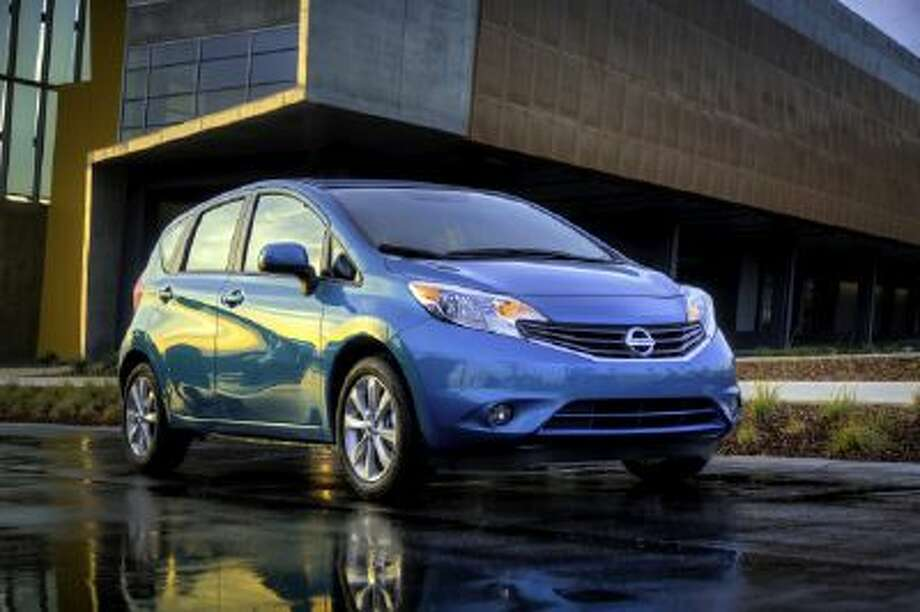 The five-seat Versa Note is a low-priced, high-utility car with an attractive, fresh exterior, notable fuel economy and a surprisingly roomy back seat that accommodates even 6-foot adults