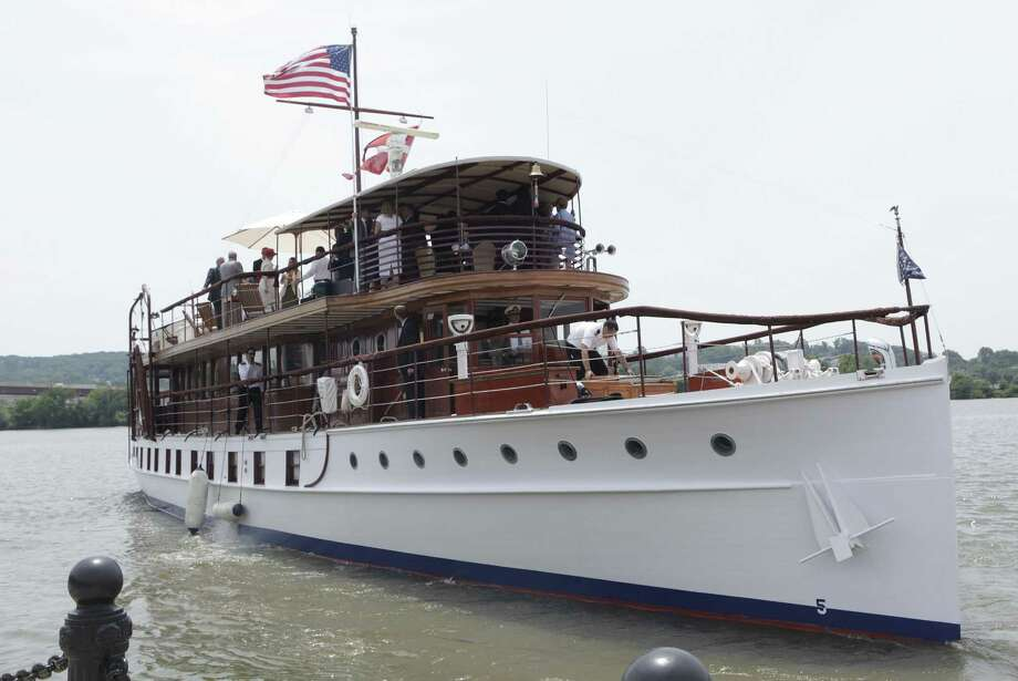 The Sequoia, the former presidential yacht, sails on the Potomac river in Washington, D.C., on June 7, 2011.  (YURI GRIPAS/AFP/Getty Images) / 2011 AFP