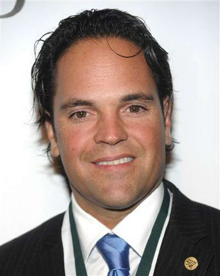 Former MLB star Mike Piazza attends the 2009 Great Sports Legends Dinner benefitting The Buoniconti Fund to Cure Paralysis at the Waldorf-Astoria Hotel on Oct. 6, 2009 in New York. Photo: AP / AGOEV