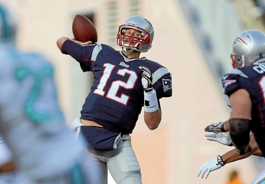 New England Patriots quarterback Tom Brady's passer rating of 74.9 this season is a career low and 27th in the league. Photo: Michael Dwyer — The Associated Press  / AP