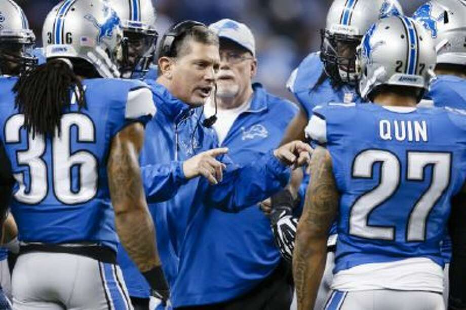 Detroit Lions head coach Jim Schwartz talks to his team during the second half against the New York Giants last Sunday in Detroit.