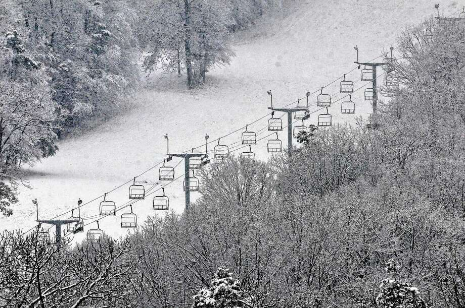 The ski lift at Powder Ridge Mountain Park & Resort in Middlefield. Photo: Catherine Avalone - The Middletown Press  / TheMiddletownPress